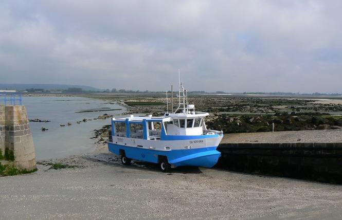 bateau sur l'ile de tatihou en normandie